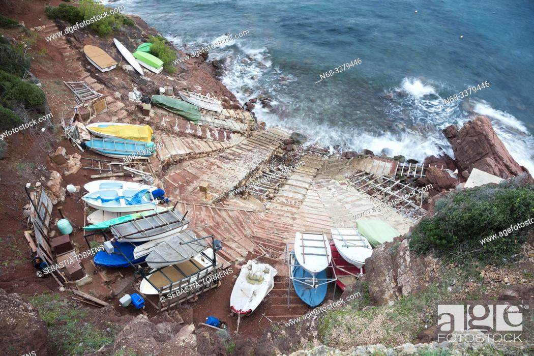 Stock Photo: Boat dock with boats in Port des Canonge, Banyalbufar, Majorca, Spain.