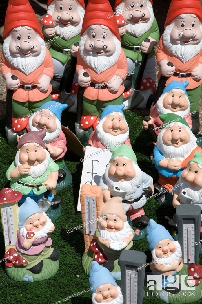 Colourful Garden Gnomes Lined Up For Sale Uk Stock Photo