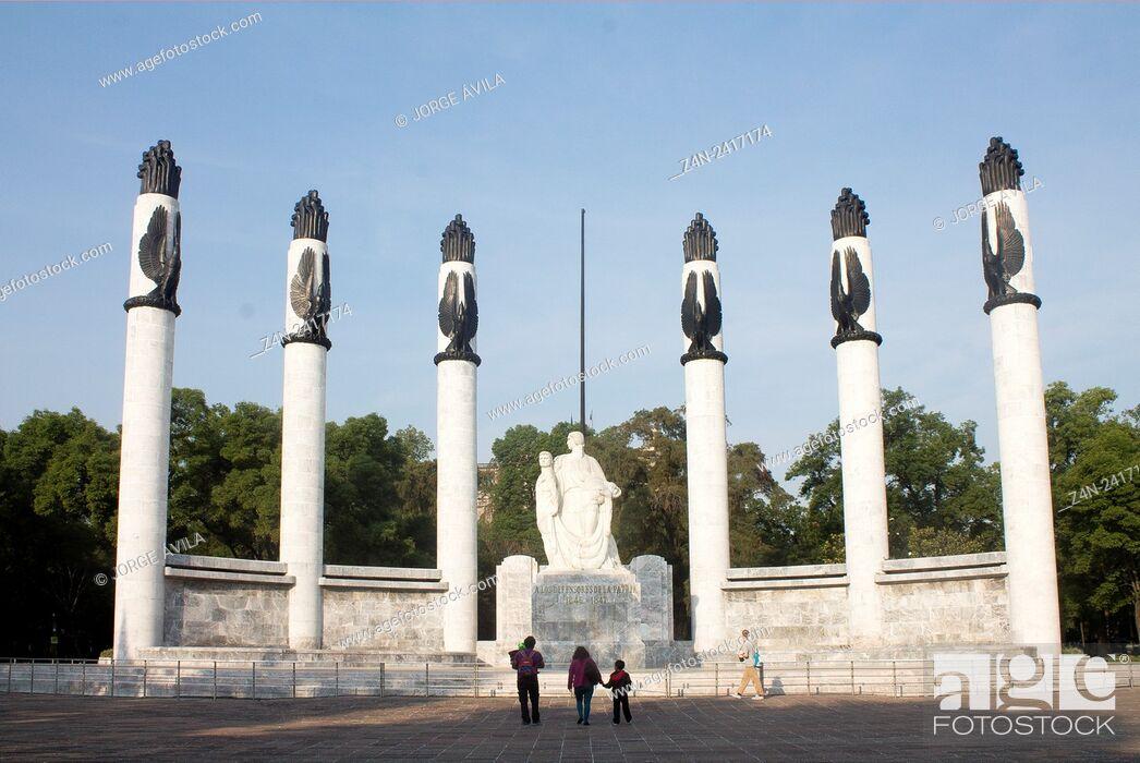Imagen: Niños Heroes Monument, Heroic Cadets Memorial in Chapultepec Park, Mexico City, Mexico.
