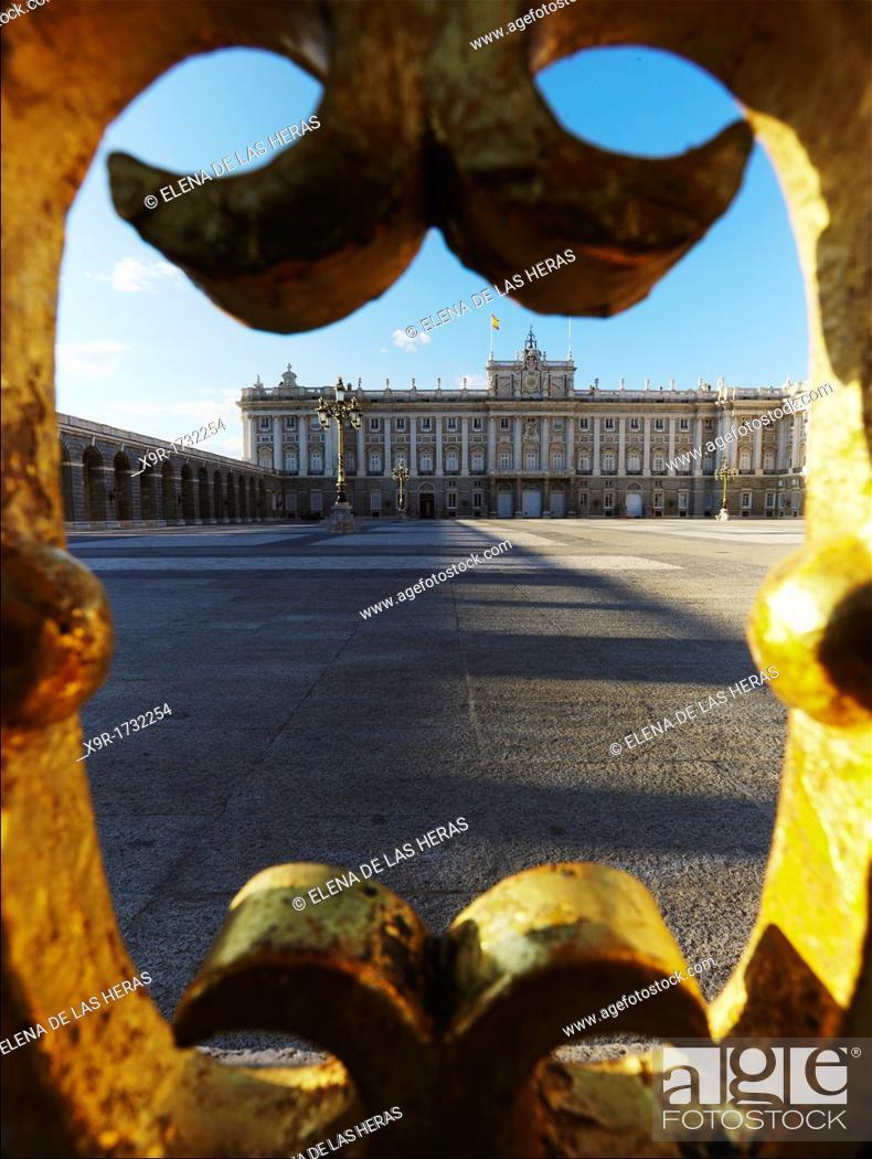 Photo de stock: Royal Palace  Madrid  Spain.