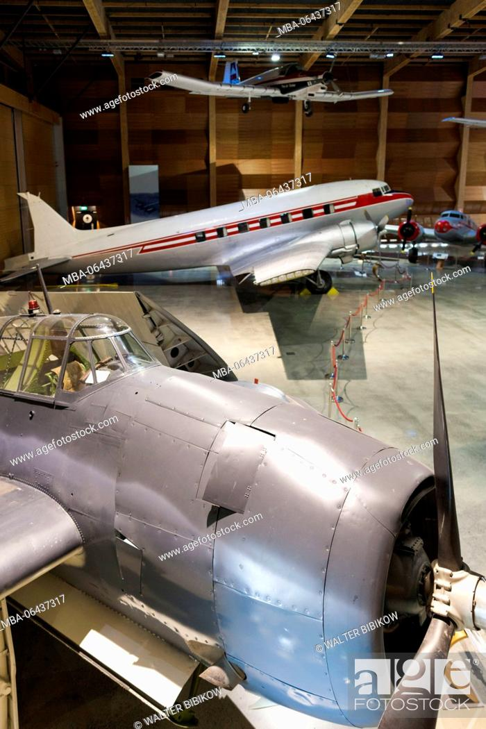 Stock Photo: New Zealand, North Island, Auckland, MOTAT, Museum of Transportation and Technology, Aviation Hall, WW2-era US Avenger torpedo bomber and DC-3 Dakota transport.