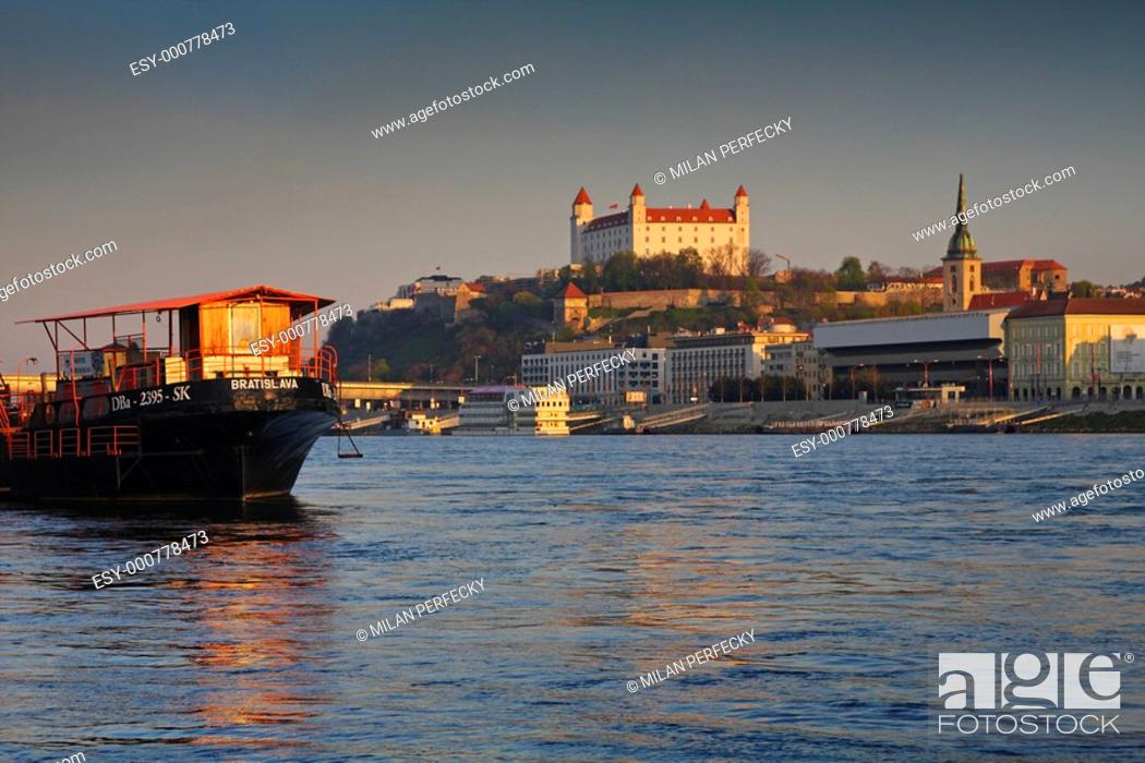 Stock Photo: Bratislava embankment and castle.