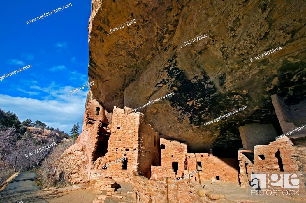 Stock Photo: Spruce Tree House ruins at Mesa Verde National Park, Colorado, USA.