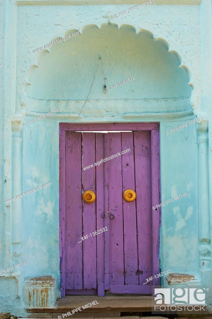Stock Photo: India, West Bengal, Murshidabad, former capital of Bengal, door.