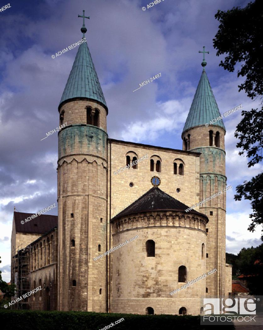 Stock Photo: Gernrode, Stiftskirche St. Cyriakus/ Blick von Westen.