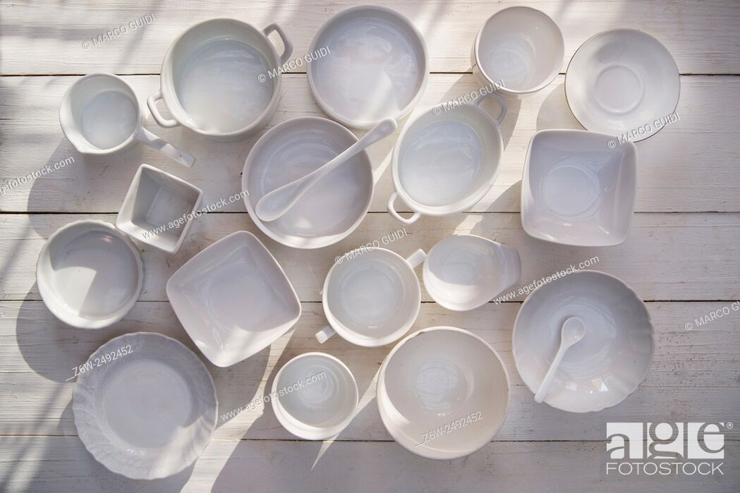 Stock Photo: Series of small containers of various sizes for the kitchen .