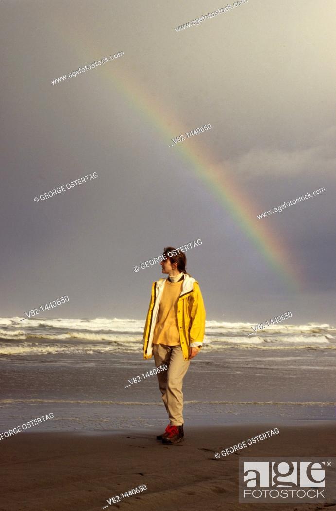 Stock Photo: Long Beach with rainbow, Long Beach, Washington, USA.
