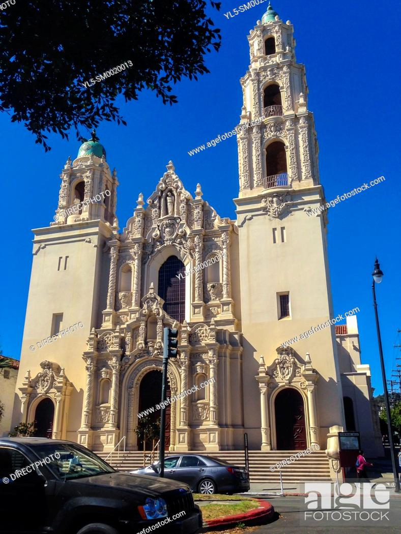 Imagen: San Francisco, CA, USA, Street Scenes, Mission Delores Church, Front of Building.