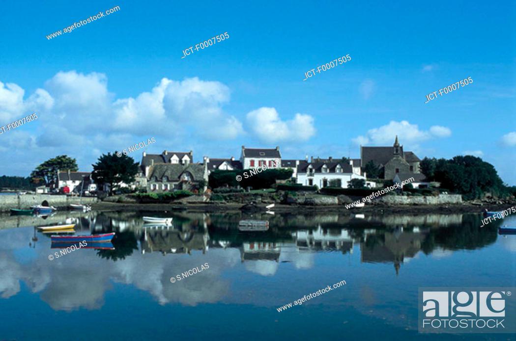 Stock Photo: France, Brittany, St Cado Island.