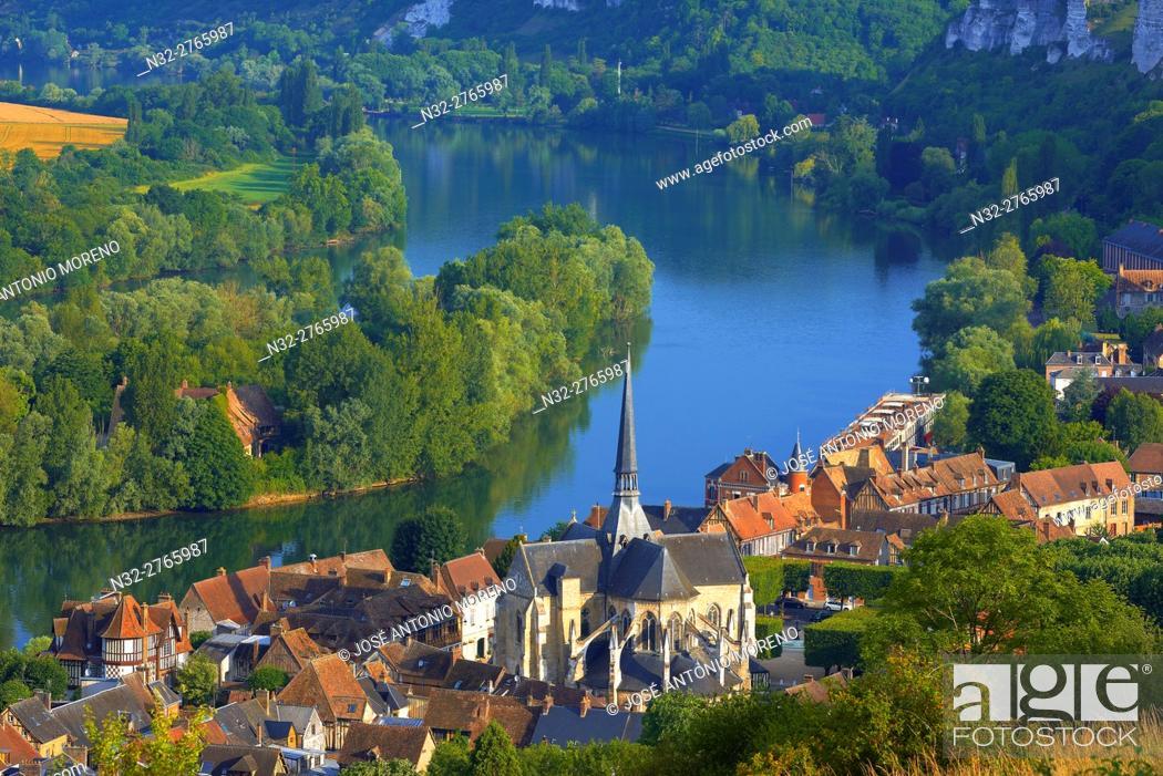 Stock Photo: Les Andelys, Meander of Seine river, Seine river, Seine valley, Normandy, France.