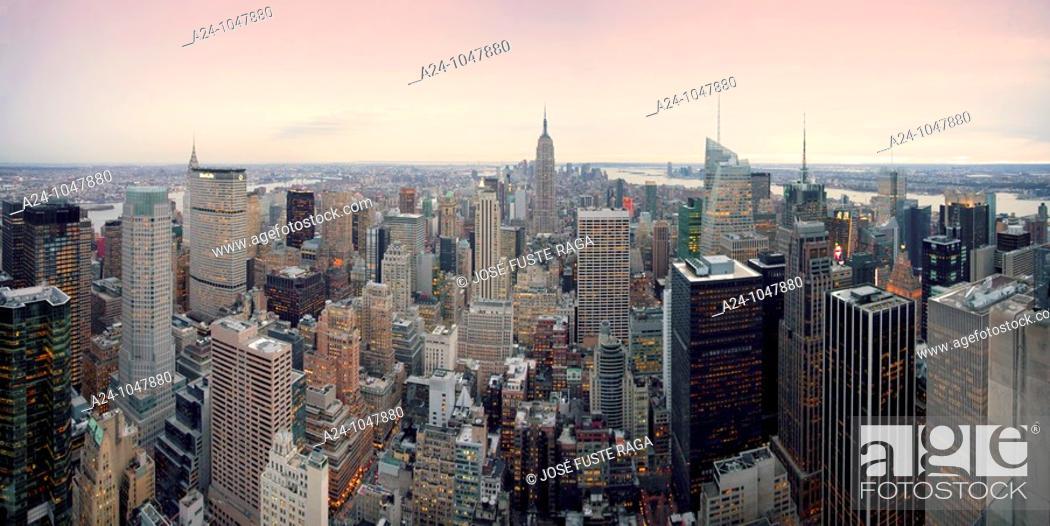 Stock Photo: Midtown Mahattan panorama, New York City, USA.