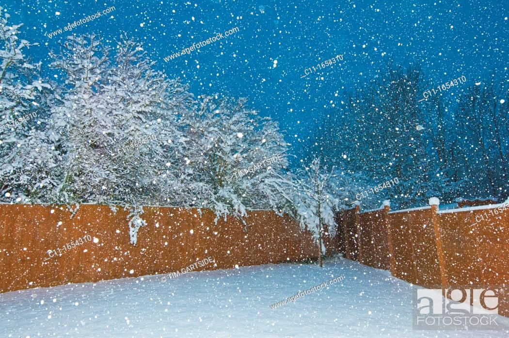 Stock Photo: winter snow, biggin hill, westerham, kent, england, uk, europe.