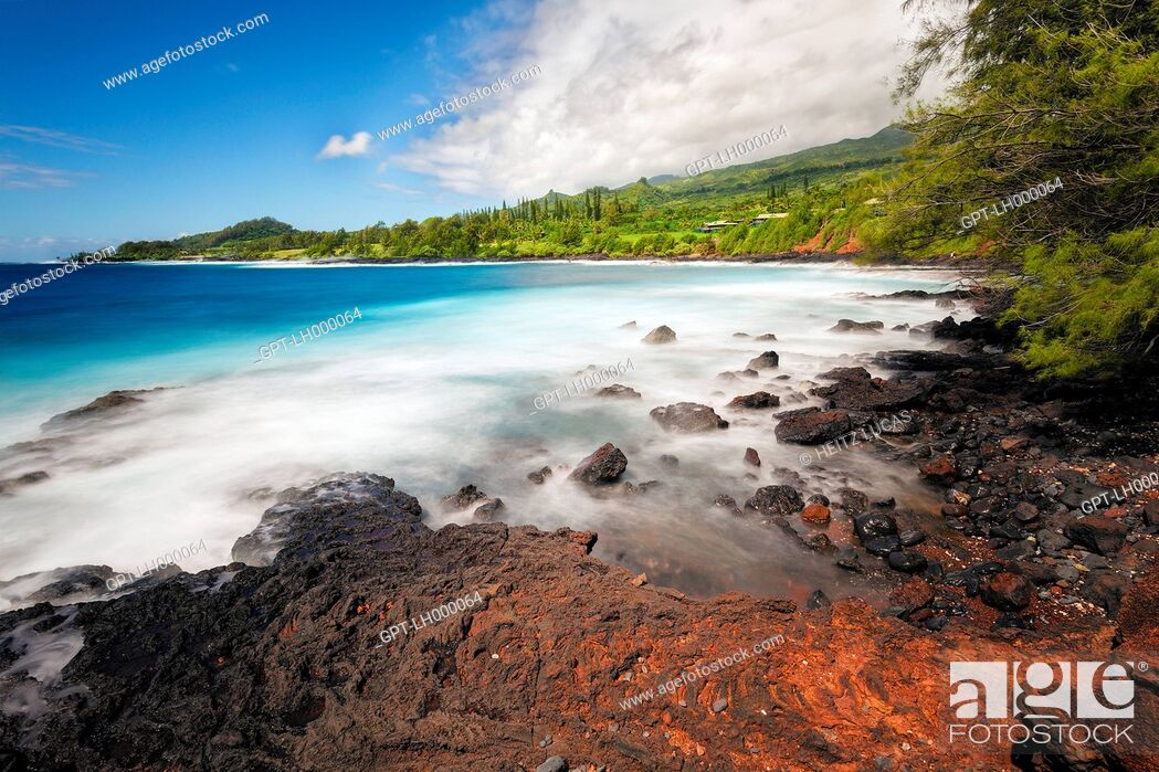 Stock Photo: RED LAVA FLOW STREAMING INTO THE OCEAN, HAWAII, UNITED STATES, USA.