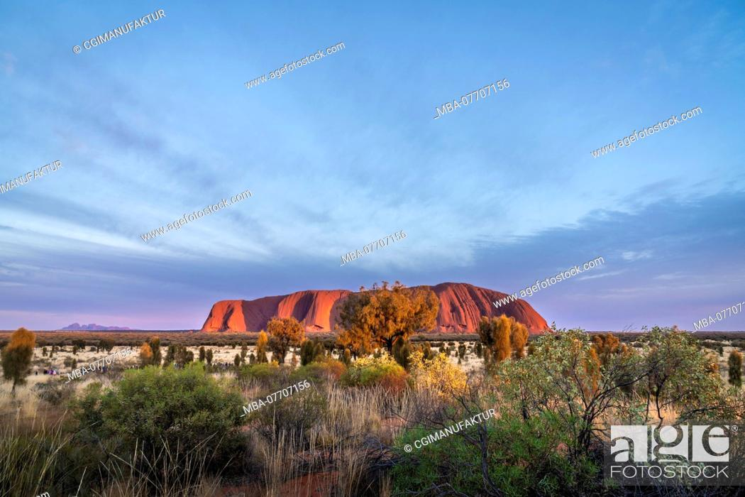 Stock Photo: Australia, Ayers Rock Uluru.