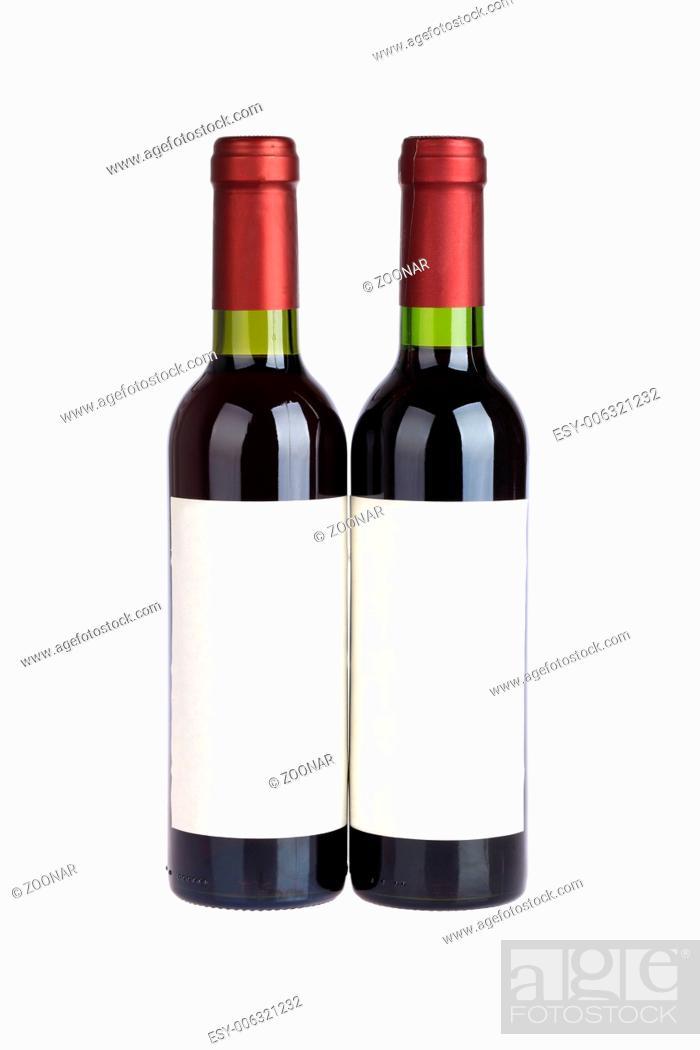 Imagen: two red wine bottles.