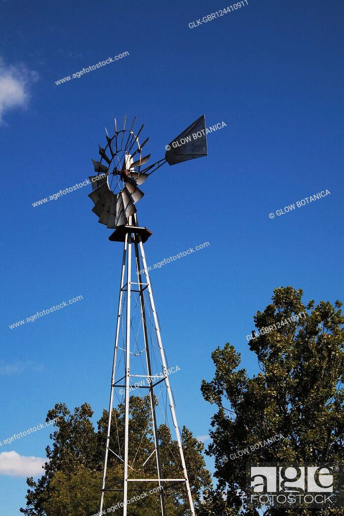 Stock Photo: Low angle view of an industrial windmill, Amish Farm, Lancaster, Pennsylvania, USA.