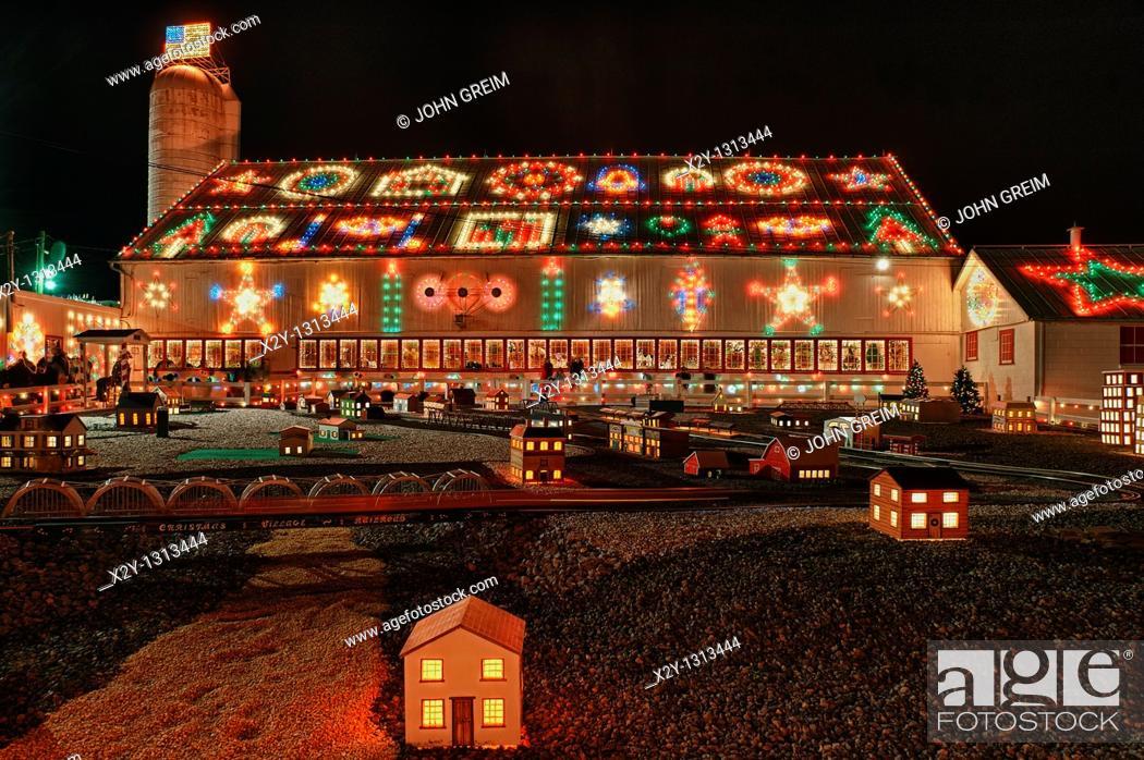 Christmas Village Pa.Christmas Display At Koziar S Christmas Village Bernville