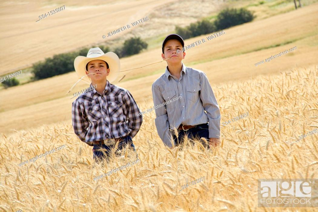 Stock Photo: A farming family in Fairfield, Washington, USA.