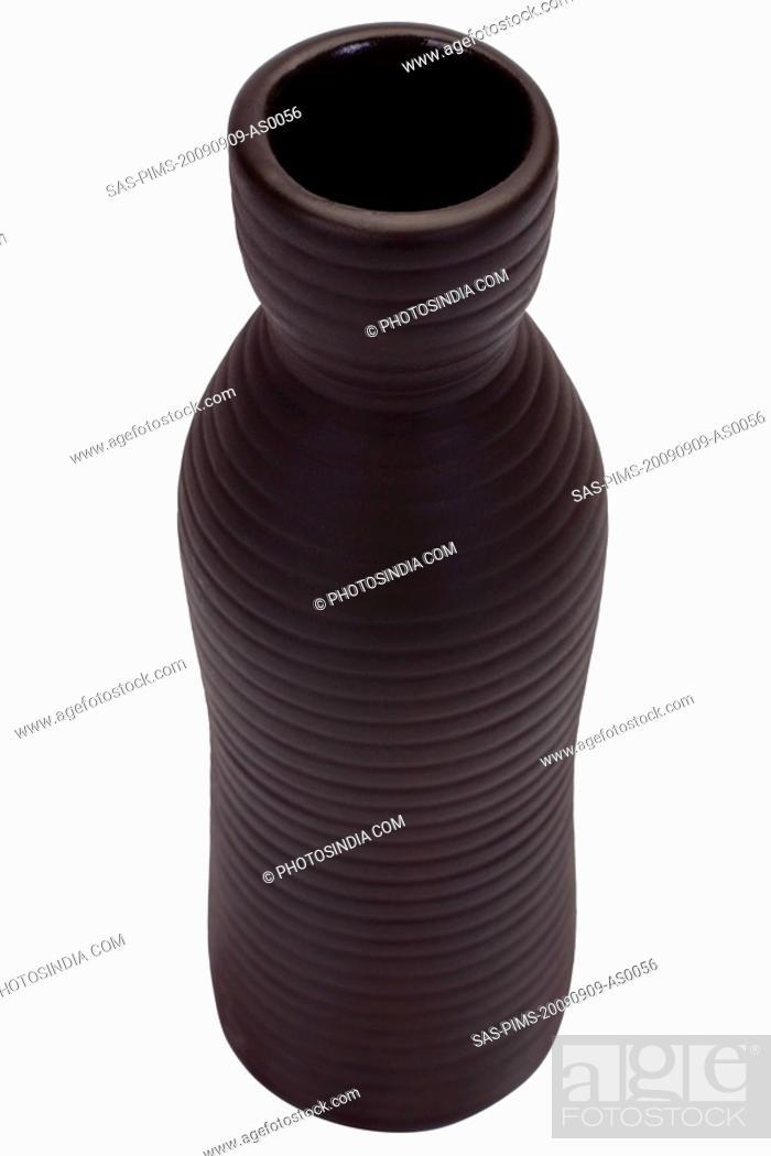 Photo de stock: Close-up of a vase.