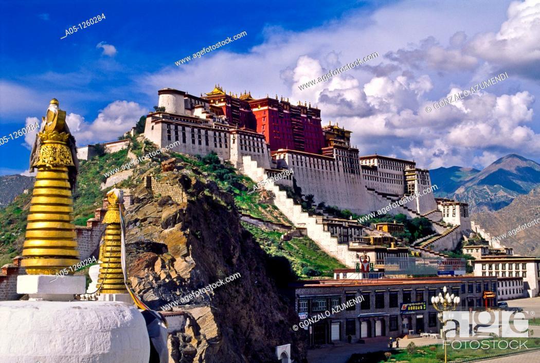 Stock Photo: Potala Palace, Lhasa, Tibet  CHINA.