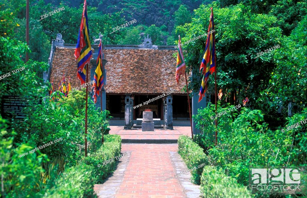 Stock Photo: The temple of Lê Ð?i Hành at Hoa Lu.