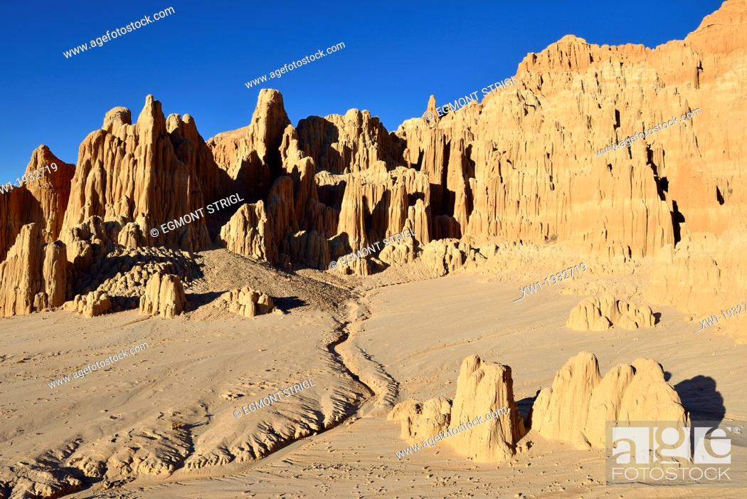 Imagen: Panaca rock formation at Cathedral Gorge State Park, Nevada, USA, North America.