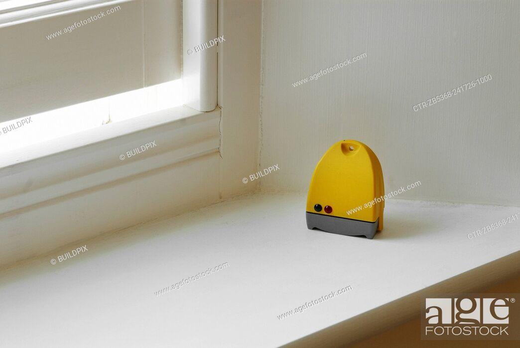 Imagen: Humidity control by open window.