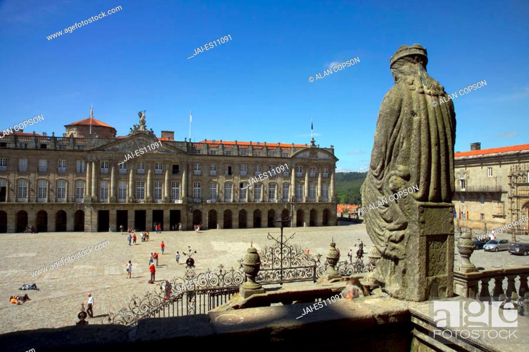 Stock Photo: Paxo de Raxoi (Town Hall), Prazo do Obradoiro, Santiago de Compostela, Galicia, Spain.