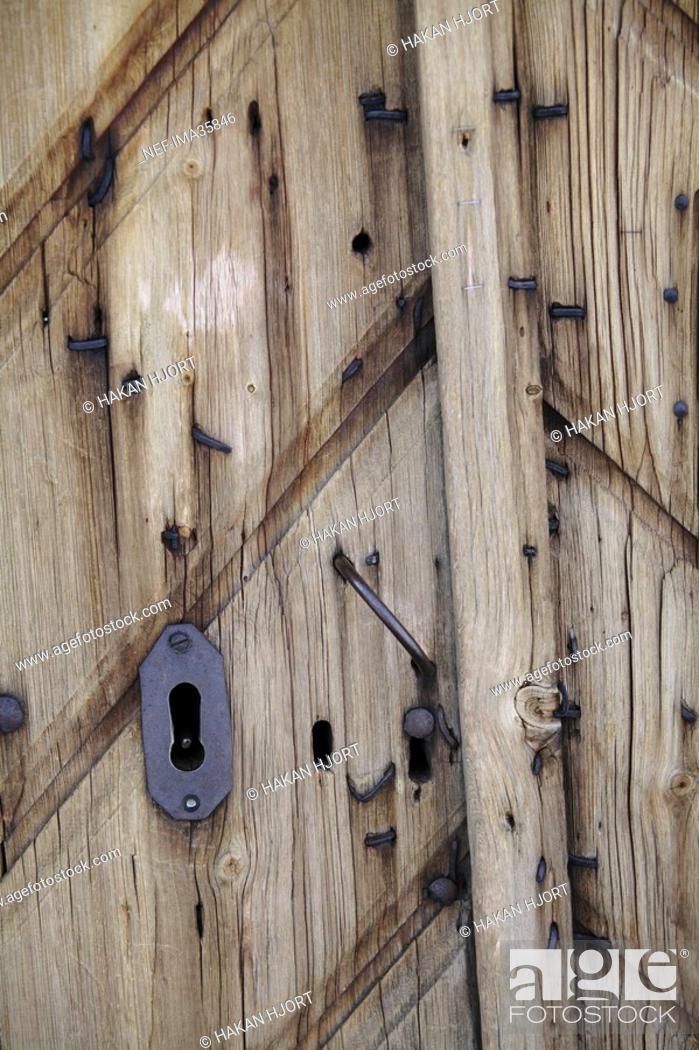 Photo de stock: A lock on a door.
