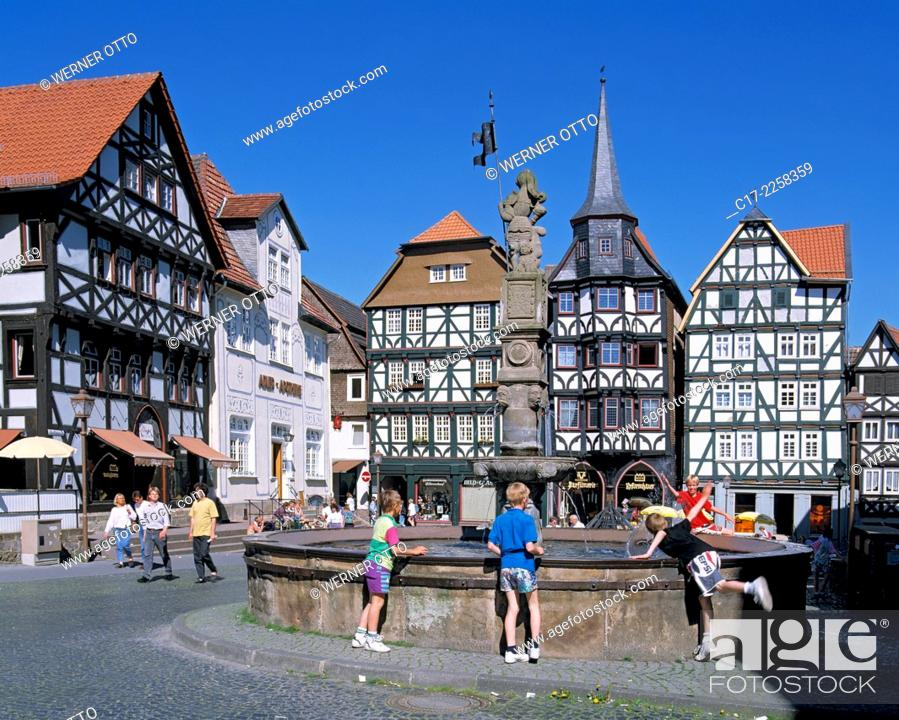 Stock Photo: D-Fritzlar, Eder, Westhessisches Bergland, Hessisches Bergland, Hessen, Altstadt, Marktplatz, Fachwerkhaeuser, Kontorsgebaeude, Gildehaus, Fritzlarer Gilde.