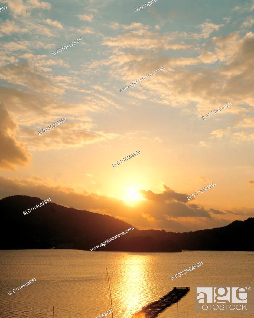 Stock Photo: mountain, scenery, lake, sea, landscape, sky, nature.