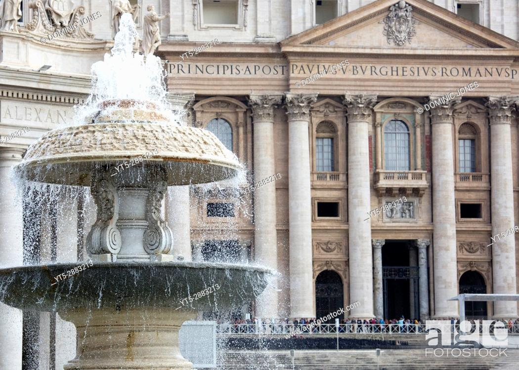 Stock Photo: St. Peter's Square, Vatican City, Europe.