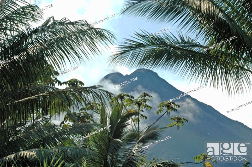 Stock Photo: Costa Rica, Arenal Volcano National Park, volcano.