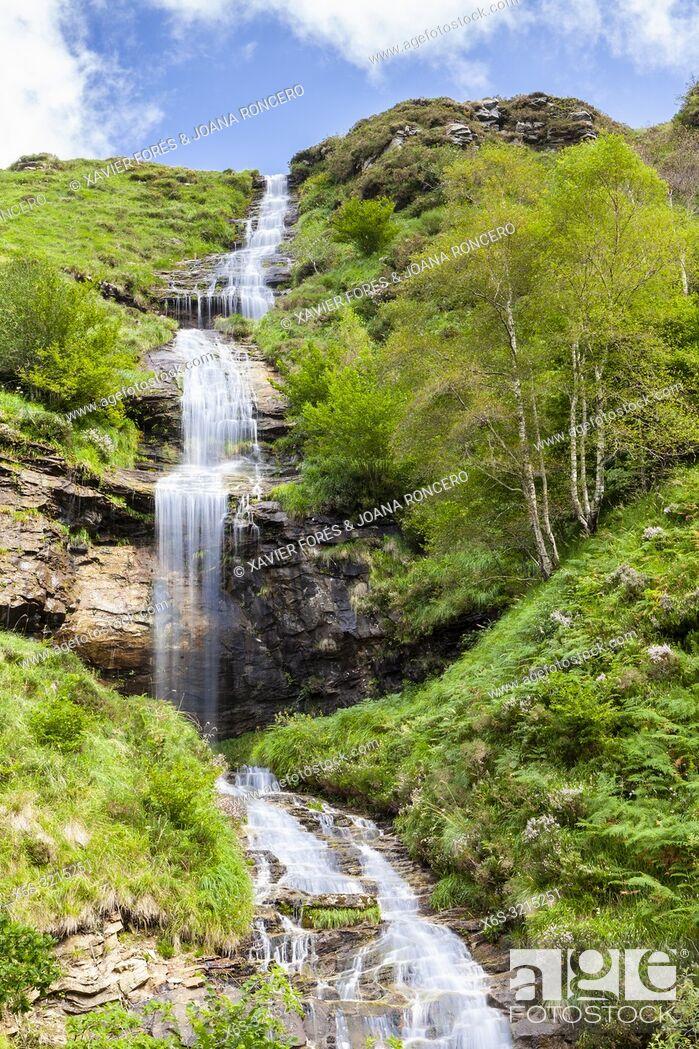 Stock Photo: Waterfall in Yera river, Valles Pasiegos near Vega de Pas, Cantabria, Spain.