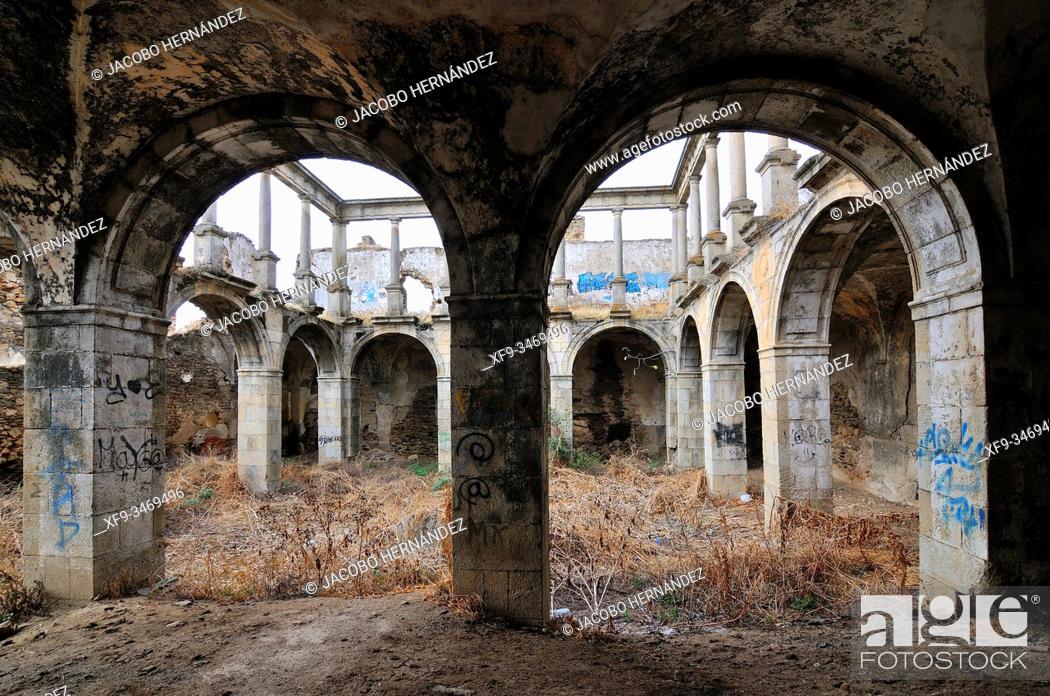 Stock Photo: Ruins of San Antonio de Padua convent. Garrovillas de Alconétar. Cáceres province. Extremadura. Spain.