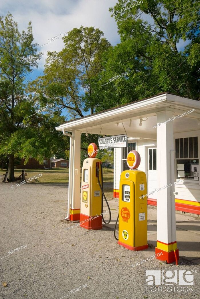 Stock Photo: USA Illinois Route 66 Mount Olive disused Soulsby Shell Gas Station.