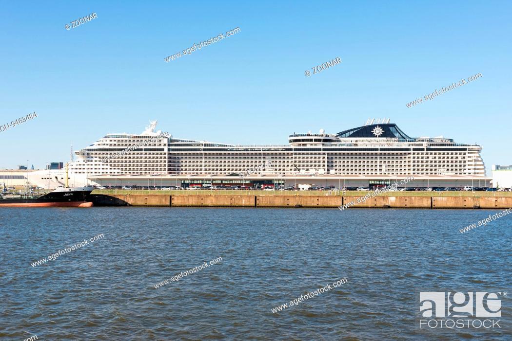 The extraordinary cruise liner MSC Splendida in the harbor ...