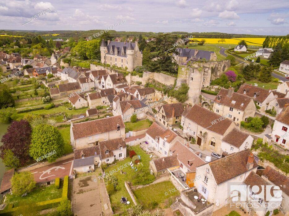 Stock Photo: fortaleza medieval. construida en el siglo XI por Fulco Nerra, conde de Anjou, y castillo del conde Branicki, Montrésor, departamento de Indre y Loira, France.