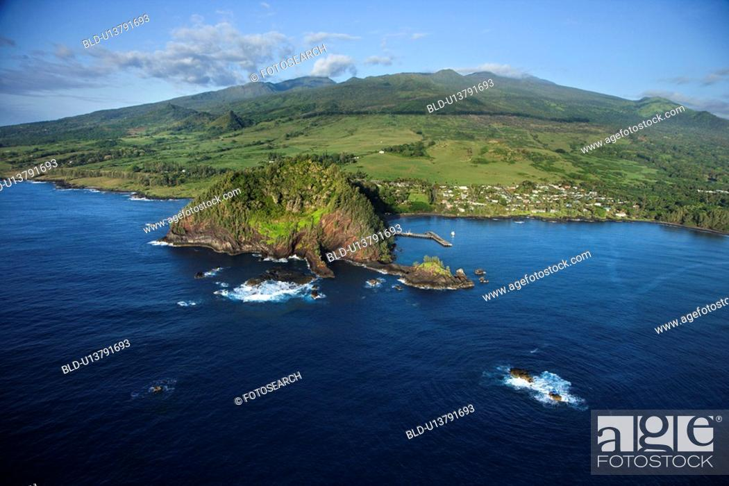 Stock Photo: Coastal community in Maui, Hawaii.