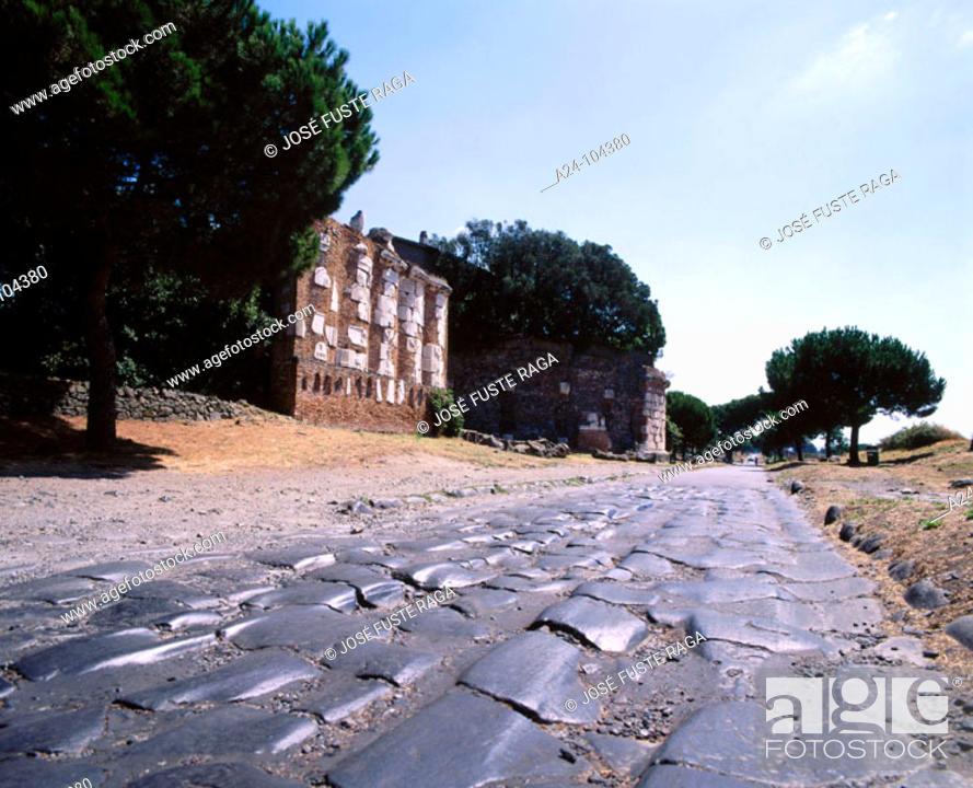 Imagen: Vía Appia (old Roman road). Rome. Italy.