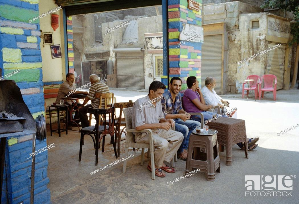 Imagen: A cafe in Islamic Cairo in the city of Cairo in Egypt in North Africa.
