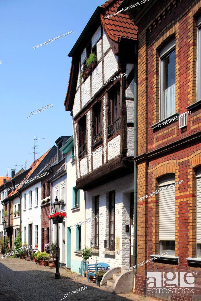 Stock Photo: Germany, Kempen, Niers, Lower Rhine, Rhineland, North Rhine-Westphalia, NRW, Tiefstrasse, old downtown, alleyway, residential buildings, row houses.