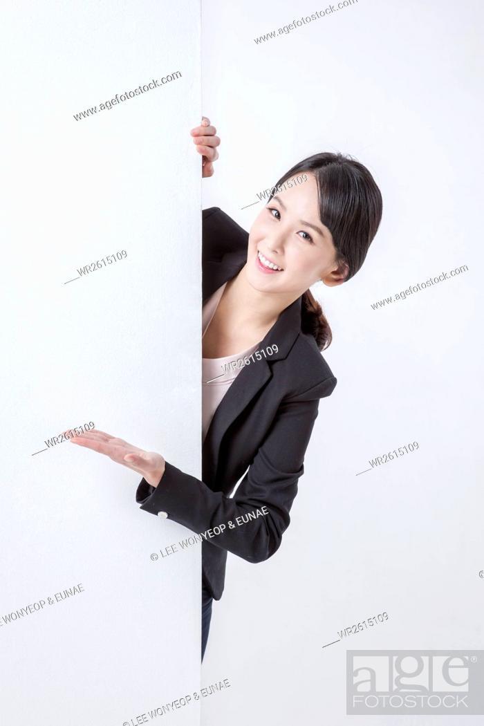 Imagen: Smiling businesswoman.