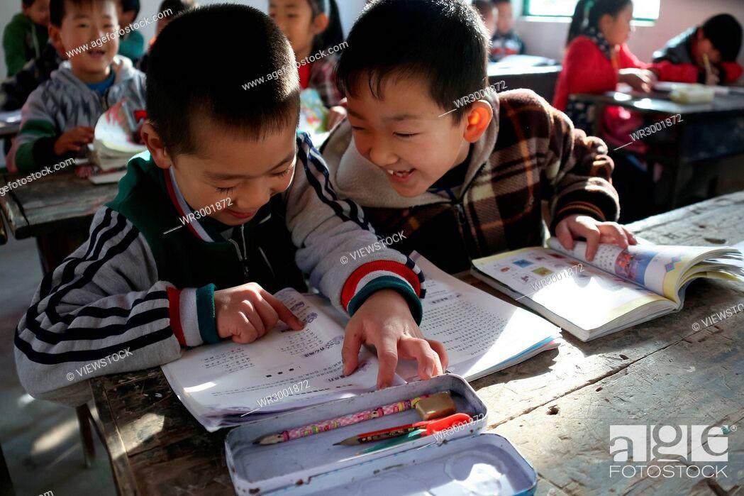 Imagen: Primary school students in rural primary school.