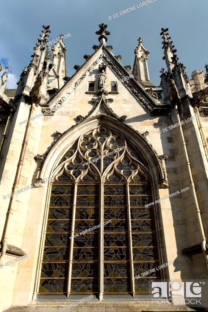 Stock Photo: Europe, France, Nievre region, Nevers, the Cathedral of Saint-Cyr et Saint-Julitte.