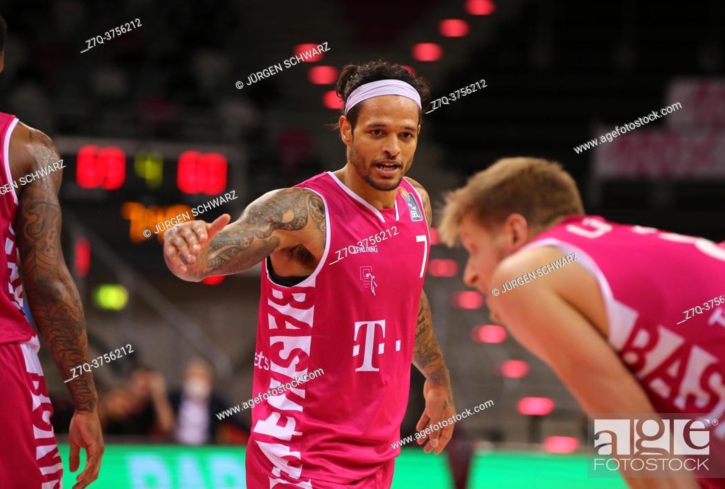 Stock Photo: Bonn, Germany, 09. 01. 2021, Telekom Dome, Basketball Bundesliga, Telekom Baskets Bonn vs s. Oliver Wuerzburg: Chris Babb (Bonn) gestures.