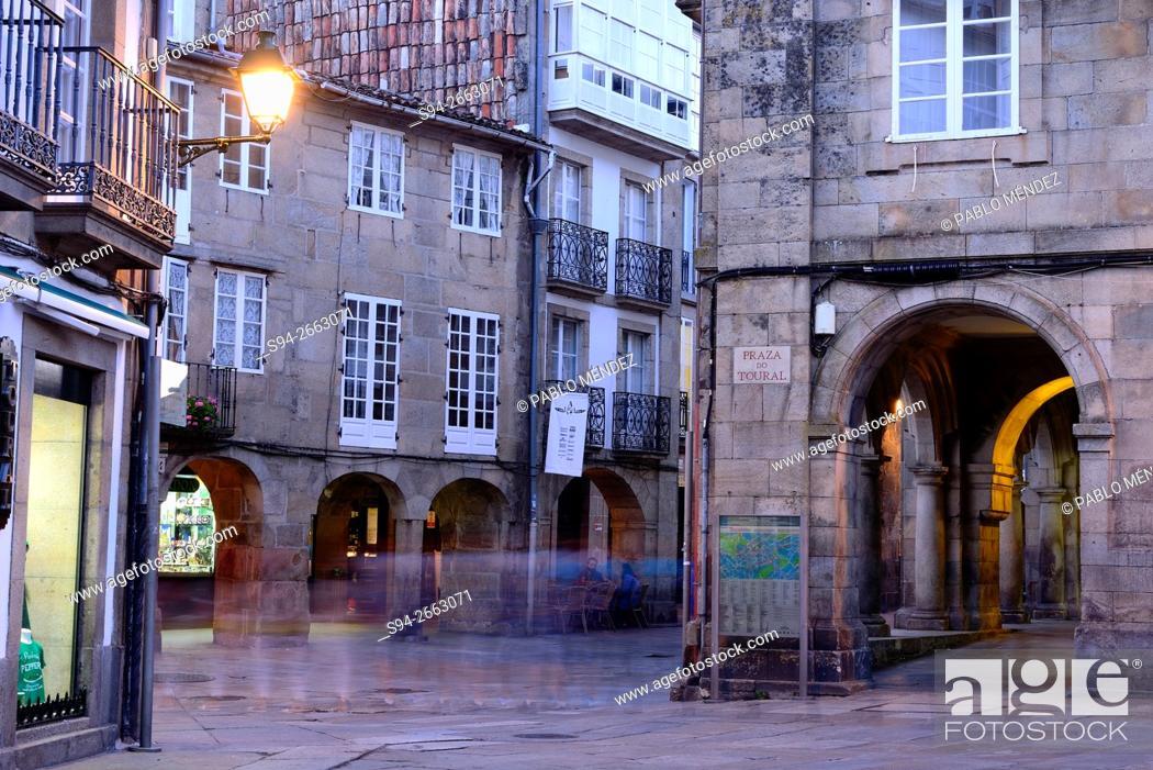 Imagen: Pedestrian square of Santiago de Compostela, Galicia, Spain.