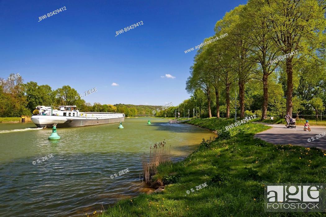 Stock Photo: barge on Dortmund-Ems Canal, Germany, North Rhine-Westphalia, Muensterland, Hoerstel.