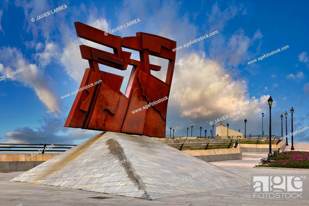Stock Photo: 'Nordeste' (North-East), escultura de Joaquín Vaquero Turcios, Cimadevilla. Gijón. Asturias, Spain, Europe.