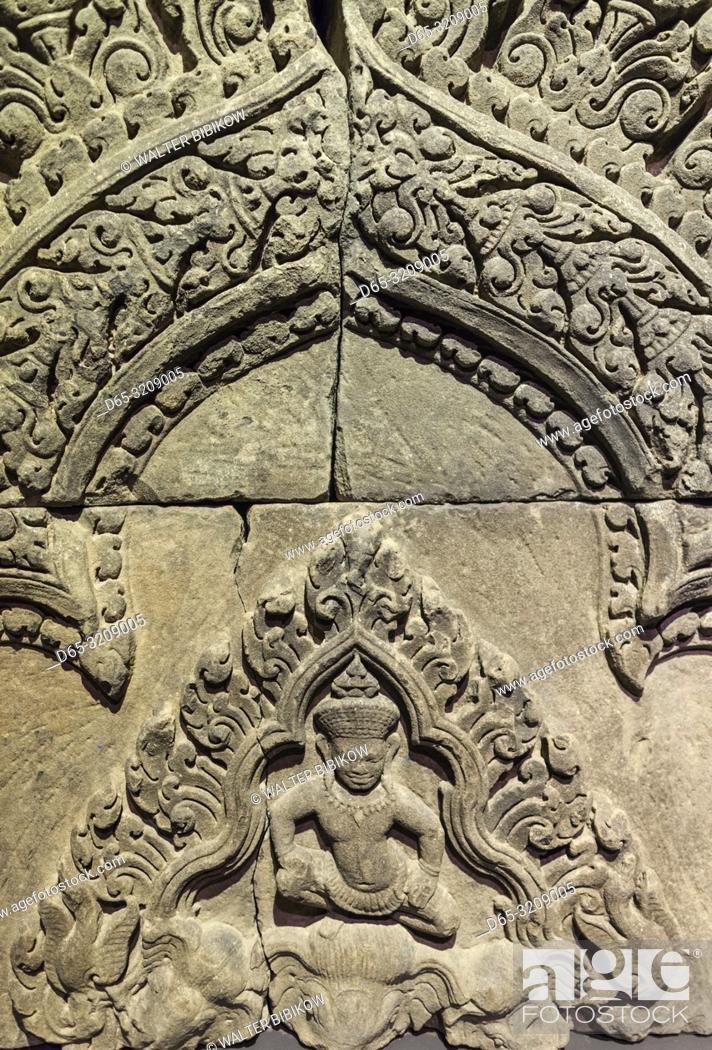 Imagen: Cambodia, Siem Reap, Angkor National Museum, detai of Angkor-era frieze.